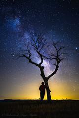 Contemplando la Vía (Roberto_48) Tags: via lactea noche night nocturna stars estrellas larga exposicion centro