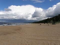 Saulkrasti beach (olaf_alien) Tags: olafalien olaf alien latvia saulkrasti beach storm cloud rainy see waves sand landscape nature olympus sp560uz