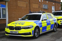 WX67 EGC (S11 AUN) Tags: avon somerset police bmw 530d 5series xdrive estate touring anpr traffic car rpu roads policing unit 999 emergency vehicle triforce wx67egc