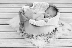 Recién nacid@ / Newborn (@merchelas) Tags: reciennacido newborn bebe baby black bnw bn blackwhite blancoynegro retrato portrait