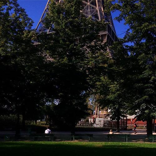 #Paris #champdemars #toureiffel #eiffeltower #tw