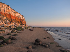 Hunstanton Heatwave Walk (bredmañ) Tags: beach walk sand sea coast landscape norfolk hunstanton uk carrstone chalk cliff water thewash northsea olympus em1mkii handheld seaside seashore coastal shoreline 124028 goldenhour colour glow settingsun cloud sky horizon