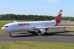 EC-LUB Airbus A330-302 Iberia (R.K.C. Photography) Tags: eclub airbus a330302 a330 iberia ibe ib spanish aircraft aviation airliner luton bedfordshire england unitedkingdom uk londonlutonairport ltn eggw canoneos100d