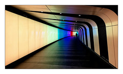 Solitude... (Jean-Louis DUMAS) Tags: london londres artiste artist artistic art people colors couleurs