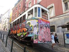 Carris_Cable_car_Gloria_Lisbon_tram_Portugal (2) (OOMYV) Tags: cablecar carris lisbon oomyv201709 pt portugal tram overseas railroad railway train ●海外 ケーブルカー トラム ポルトガル ポルトガルの鉄道 リスボン 列車 海外 路面電車 鉄道 リスボン地域