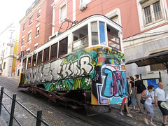 Carris_Cable_car_Gloria_Lisbon_tram_Portugal (9) (OOMYV) Tags: cablecar carris lisbon oomyv201709 pt portugal tram overseas railroad railway train ●海外 ケーブルカー トラム ポルトガル ポルトガルの鉄道 リスボン 列車 海外 路面電車 鉄道 リスボン地域