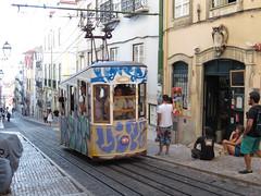 Carris_Cable_car_Bica_Lisbon_tram_Portugal (OOMYV) Tags: cablecar carris lisbon oomyv201709 pt portugal tram overseas railroad railway train ●海外 ケーブルカー トラム ポルトガル ポルトガルの鉄道 リスボン 列車 海外 路面電車 鉄道 リスボン地域