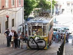 Carris_Cable_car_Gloria_Lisbon_tram_Portugal (4) (OOMYV) Tags: cablecar carris lisbon oomyv201709 pt portugal tram overseas railroad railway train ●海外 ケーブルカー トラム ポルトガル ポルトガルの鉄道 リスボン 列車 海外 路面電車 鉄道 リスボン地域