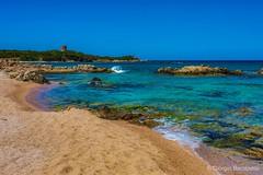 Alla ricerca di un luogo tranquillo... (giobertaskin) Tags: canon spiaggia seascape sky sardinia sardegna vignolamare sea mare tranquillo luogo