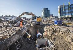 Aanleggen riolering (Rotterdamsebaan) Tags: rotterdamsebaan denhaag binckhorstlaan herinrichting bouw bouwen infrastructuur techniek binckhorst riolering graafmachine