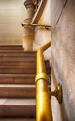 Palais des Beaux-Arts-Lille (Chocolatine photos) Tags: escalier photo photographesamateursdumonde pdc palais beauxarts lille lumière makemesmile nikon flickr