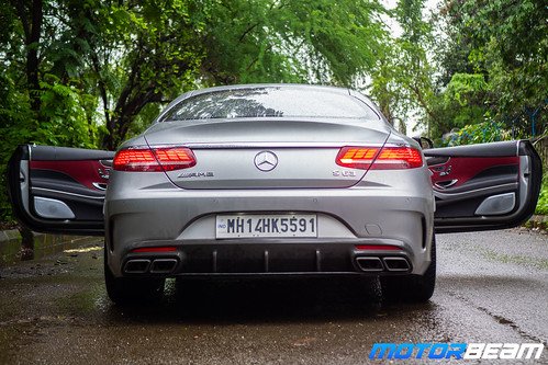 2019-Mercedes-AMG-S63-Coupe-43