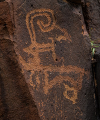 ancient rock art - wadi hassan, N of Azraq, Jordan (Russell Scott Images) Tags: black basalt stony desert azraq jordan ancient rock art petroglyphs wadi hassan