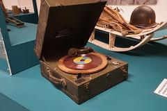 Portelec 9E (H Burton) Tags: portelec9e gramophone ww2 ww2recordplayer winduprecordplayer