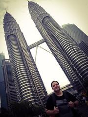 Visiting Petronas Twin Towers in Kuala Lumpur. #thomasbacaii #thomasbaca #nichananbaca #kl #petronas #kualalumpur #malaysia (HTU5TZ6AHYFIFV573R5WGOIUTK) Tags: kl thomasbaca kualalumpur thomasbacaii nichananbaca petronas malaysia