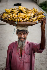 _MG_1743-1 (shawonkhan4d) Tags: bengali bangladeshi poor people banana street photography smile old man male hungry seller hawker natural story candid needy canon eos 80d 50mm 18 market kolkata calcutta india mechua wholesale working labour life work men asia vegetable fruit howrah selling bananas social reportage travel photojournalism