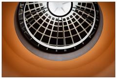 Circulating (frodul) Tags: architektur dom gebäude gestaltung innenansicht konstruktion kreis kurve linie rotunde rund säule symmetrie berlin gelb deutscherdom rot red circular
