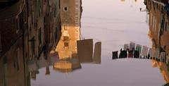 riflessi veneziani (pjarc) Tags: europe europa italy italia veneto venetian venice venezia venedig riflessi colors colori city città acqua water photo foto digital nikon dx 2010 panni stesi