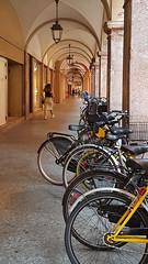 Via Emilia angolo Via Farini (SergioBarbieri) Tags: modena viaemilia viafarini portici ss9