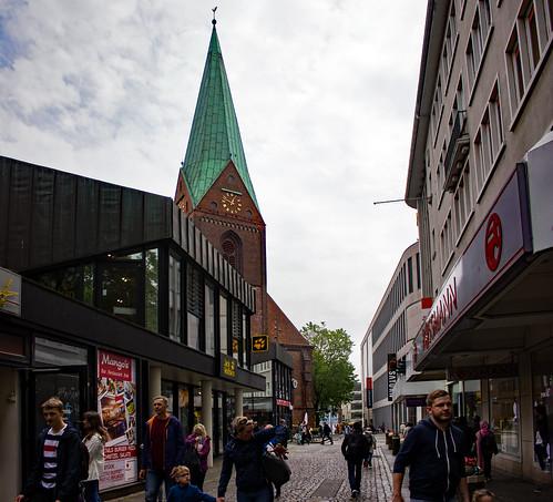 "Rosenstraße (02) • <a style=""font-size:0.8em;"" href=""http://www.flickr.com/photos/69570948@N04/48423535081/"" target=""_blank"">Auf Flickr ansehen</a>"