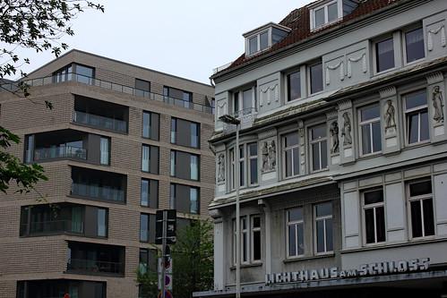 "An der Burgstraße (03) • <a style=""font-size:0.8em;"" href=""http://www.flickr.com/photos/69570948@N04/48423664467/"" target=""_blank"">Auf Flickr ansehen</a>"