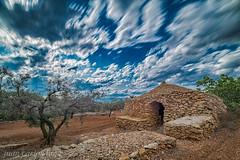 CASA DE PEDRA SECA (juan carlos luna monfort) Tags: godall casadepiedra hdr campo paisaje nubes cieloazul cielotormentoso filtrond1000 olivo arbol landscape largaexposicion led nikond810 irix15 calma paz tranquilidad