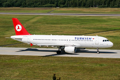 TC-JLG (PlanePixNase) Tags: hannover aircraft airport planespotting haj eddv langenhagen turkish turkishairlines airbus 320 a320