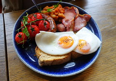 Breakfast at the Plau bar in Preston (Tony Worrall) Tags: images photos photograff things uk england food foodie grub eat eaten taste tasty cook cooked iatethis foodporn foodpictures picturesoffood dish dishes menu plate plated made ingrediants nice flavour foodophile x yummy make tasted meal nutritional freshtaste foodstuff cuisine nourishment nutriments provisions ration refreshment store sustenance fare foodstuffs meals snacks bites chow cookery diet eatable fodder ilobsterit instagram forsale sell buy cost stock plau bar pub inn breakfast english eggs fried tomato bacon meat plaubar