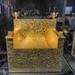 Golden throne 027TmDaM