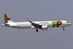 TAP Portugal A321 NEO CS-TJL at London Heathrow LHR/EGLL (dan89876) Tags: tap portugal airbus a321 neo a321251n cstjl london heathrow international airport landing runway 09l lhr egll