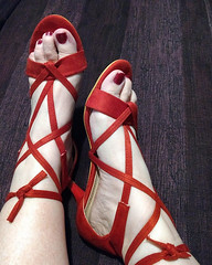 IMG_20190731_162446741~2 (eirenna_unveiled) Tags: foot feet toes legs polishedtoes polishedtoenails sandals