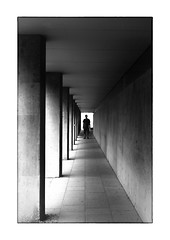 dark man (Armin Fuchs) Tags: arminfuchs thomaslistl lavillelaplusdangereuse würzburg alteuniversität university light shadows man geometric niftyfifty