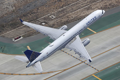 N19141, Boeing 757-200, United, Los Angeles (ColinParker777) Tags: above travel eye birds airplane climb fly flying aircraft aviation air united flight aeroplane boeing airways airlines departure takeoff ual 757 airliner birdseye overview ua b757 757200 752 b757200 b752 n19141 air2ground california camera usa america canon lens los airport zoom angeles telephoto socal pro l states lax dslr taxiway klax 200400 taxyway 5dsr 933 30354