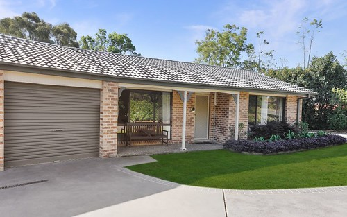 1/6 Waroo Place, Bomaderry NSW 2541