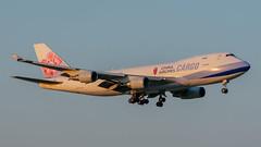 B-18720 Boeing 747-400F China Airlines Cargo (SamCom) Tags: b18720 boeing 747400f chinaairlinescargo kdfw dfw dallasfortworthinternational foundersplaza