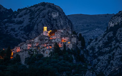 The eagle nest - Das Adlernest (ralfkai41) Tags: france lichter mountains nature architecture landscape lights abend frankreich rocks dorf dusk natur villages berge architektur bluehour dämmerung provence landschaft felsen peillon alpesmaritimes blauestunde