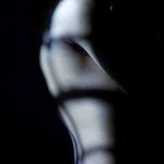 Sunny vampire (Neo-noir) Tags: cinema film movie shadow noir philosophy dark sunlight skin piel body cine moon night noche vampire light luz