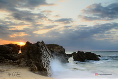 Cala de les Sirenes (borjamuro) Tags: tarragona cambrils miami playa platja españa spain amanecer dawn sunrise sol sun sky cielo rocas rocks sea mar mediterraneo mediterranean agua water clouds nubes olas waves longexposure largaexposición nikon tokina d7100 nature landscape seascape