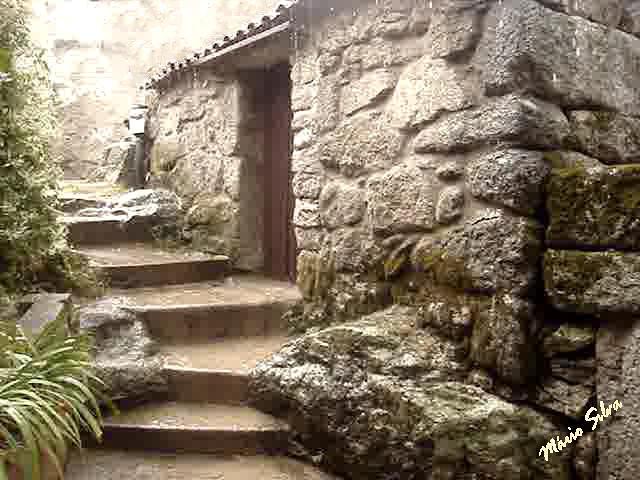 Águas Frias (Chaves) - ... casa na Aldeia, agora restaurada (fica para memória futura) ...