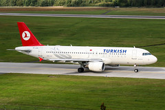 TC-JLB (PlanePixNase) Tags: hannover aircraft airport planespotting haj eddv langenhagen turkish turkishairlines airbus 320 a320