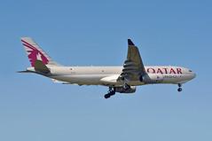 QR8291 DOH-LHR (A380spotter) Tags: approach landing arrival finals shortfinals threshold airbus a330 200f freighter cargo a7afj qatarcargo qac القطرية qatarairways qtr qr qr8291 dohlhr runway09l 09l london heathrow egll lhr