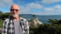 2019-062644 (bubbahop) Tags: 2019 monterey california usa amtraktrip bubbahop shaved bald head gray goatee flannel 17miledrive