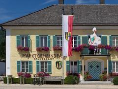 LEA 51cm 3330g (Ernst_P.) Tags: altmünster aut oberösterreich österreich gemeindeamt architektur sigma art 50mm f14