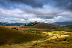 Altopiano di Castelluccio (marypink) Tags: castellucciodinorcia montisibillini umbria summer cloudy clouds hills landscape paesaggio colline lightshadow nikond800 nikkor1635mmf40 forcadipresta