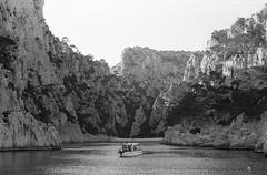 Image 11 (Astroyan16) Tags: cassis calanques méditerranée mer noir et blanc nb bw black white analog argentique film