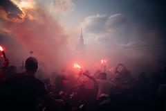 Pamiętamy (ewitsoe) Tags: city ewitsoe nikond750 polska street travel uprising warszawa erikwitsoe people poland summer urban warsaw 1700 75th anniversary oneminuteofsilence warsawa flares crowd sky smoke crowds gather 1944 history palaceofcultureandscience 20mm