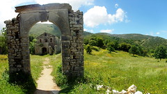 Paleo Perithia / Corfu / Greece (_BSnake_) Tags: corfu korfu kérkyra griechenland insel paleoperithia old abandom door arc stone house ruin zerstört alt