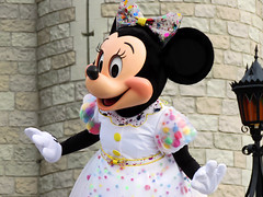 Minnie Mouse (meeko_) Tags: minnie mouse minniemouse characters disneycharacters let begin letthemagicbegin show entertainment welcome castleforecourtstage fantasyland magic kingdom magickingdom themepark mickey minnies surprise celebration mickeyandminniessurprisecelebration walt disney world waltdisneyworld florida