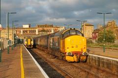 37424 at Lowestoft 2J91 1955 Lowestoft - Norwich 12/07/19 (chrisrowe37419) Tags: 37424