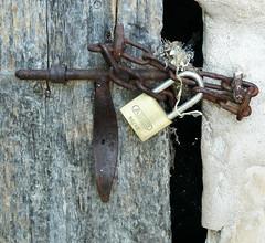 DETALL D'UNA PORTA VELLA (Joan Biarnés) Tags: porta puerta detall detalle 330 maiàdemontcal altempordà girona macro